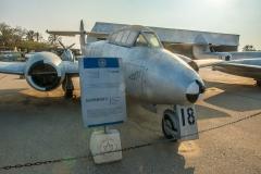 Gloster Meteort T-7