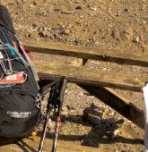 Schwarzer Rucksack mit ca. 19 Kg Gewicht
