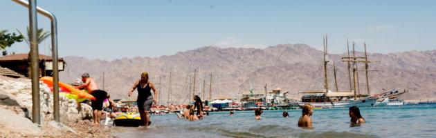 baden im Roten Meer am Strand von Eilat