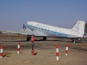 Dakota DC 3 auf dem Flughafen von Elat